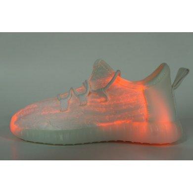 Светящиеся кроссовки из ткани