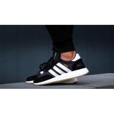 Кроссовки черно-белые Adidas INIKI Runner