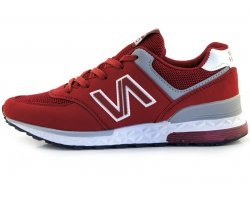 Красно белые кроссовки